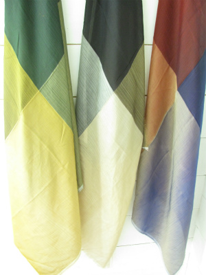 orit.のスカーフ入荷