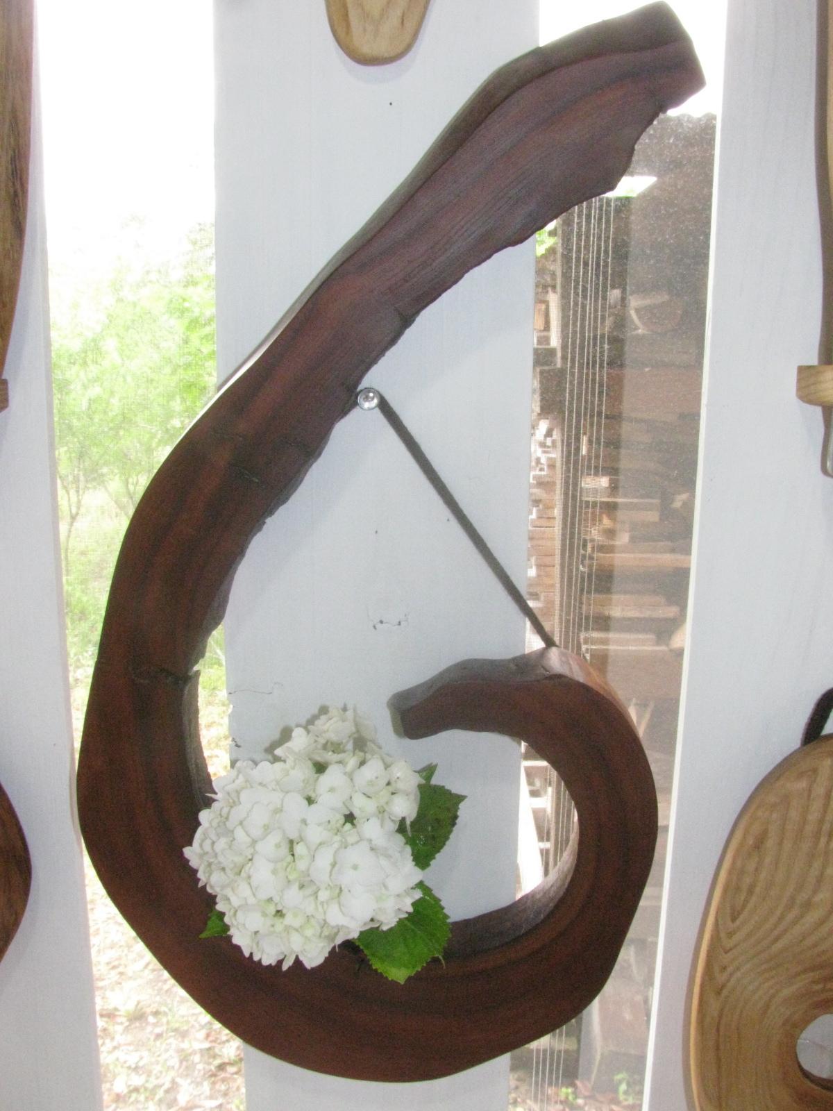 壁掛け花器の新作が出来上がりました