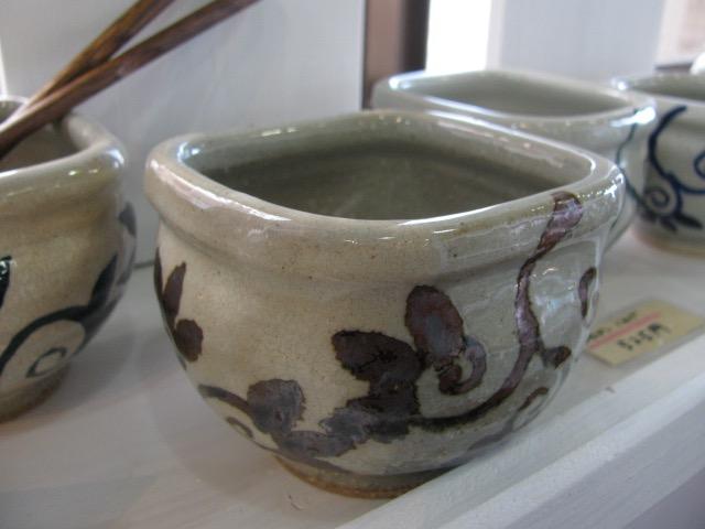 五山焼:朝比奈さんの納豆鉢をろくろで引く様子