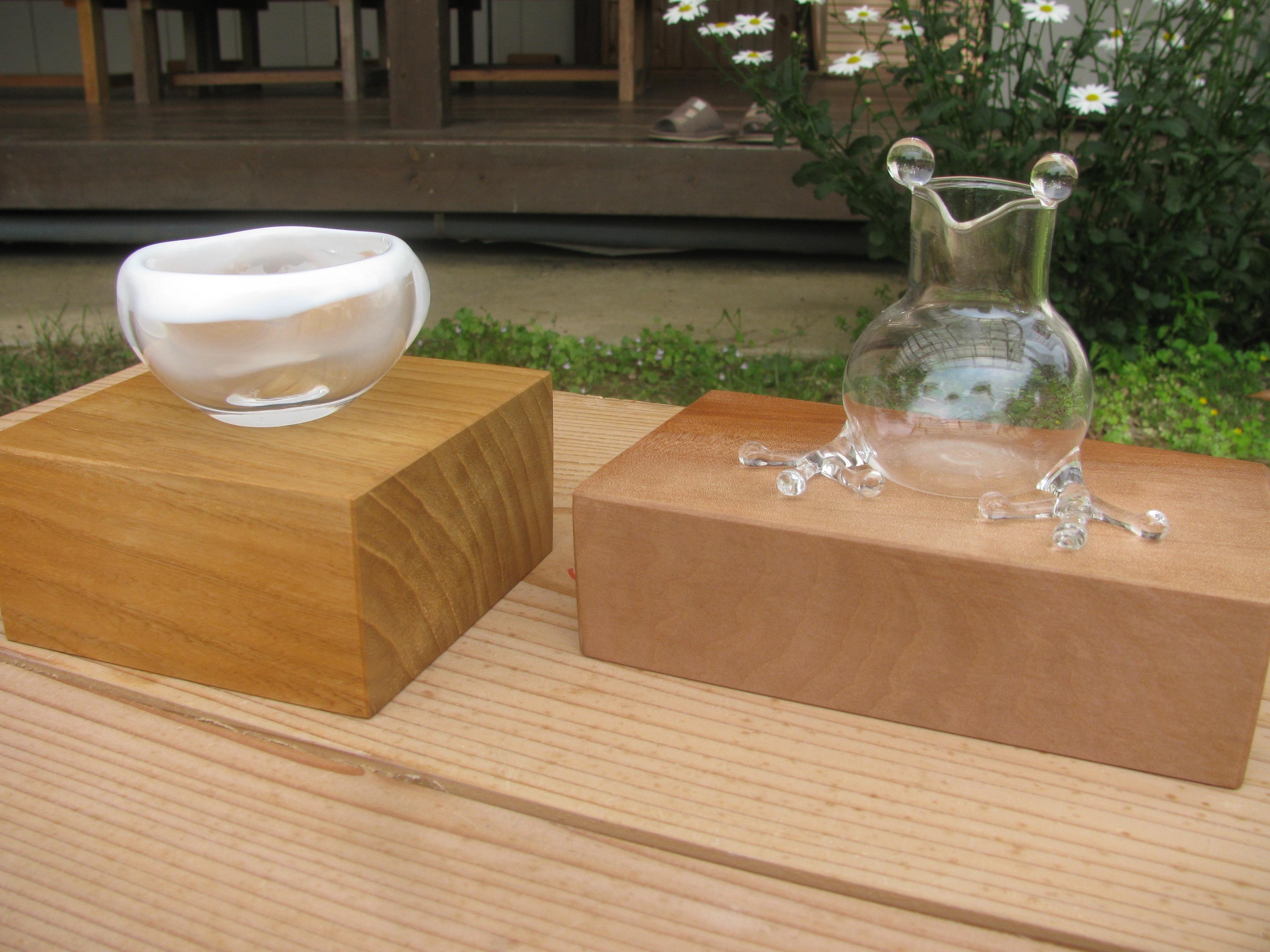 蓋付きジャムポット、額、木のキューブなどを追加