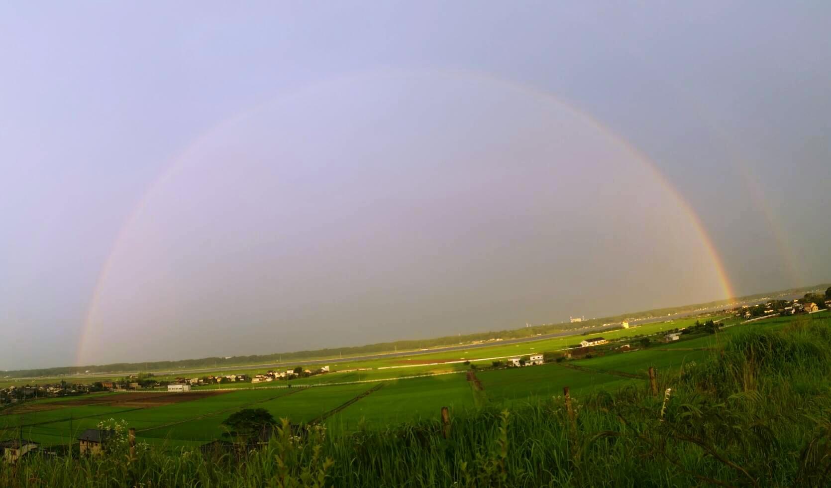 涸沼(ひぬま)から虹が発生?