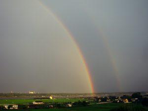 二重になった涸沼の虹