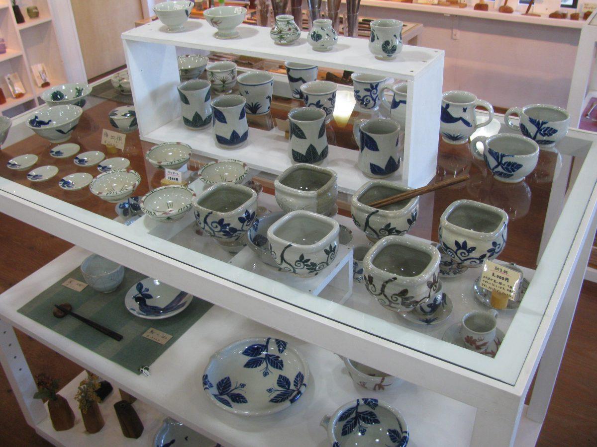 五山焼:朝比奈克文の絵付け陶器