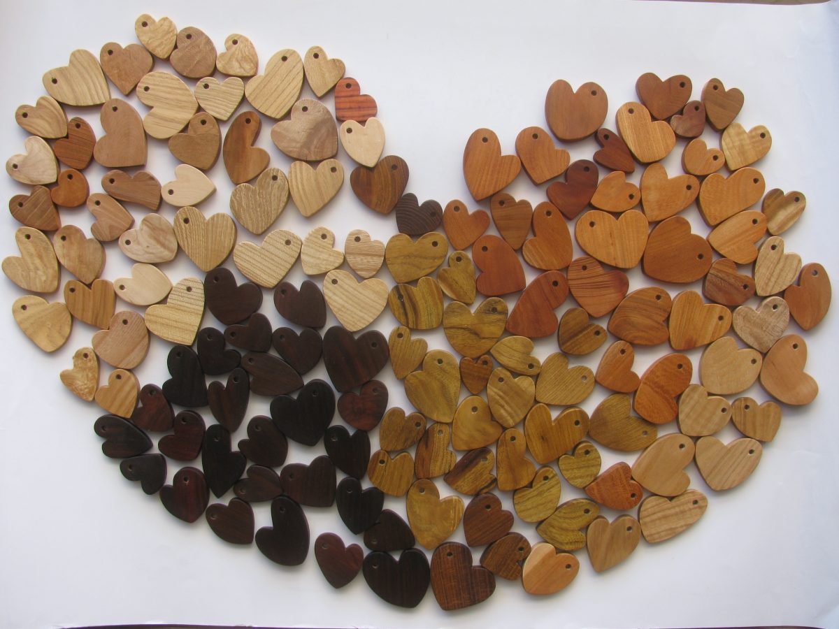 ペンダントのパーツ:自然木のハート