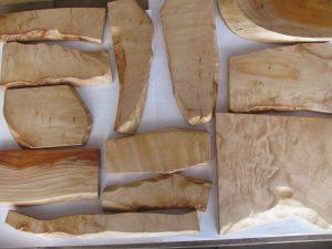 自然木の飾り板