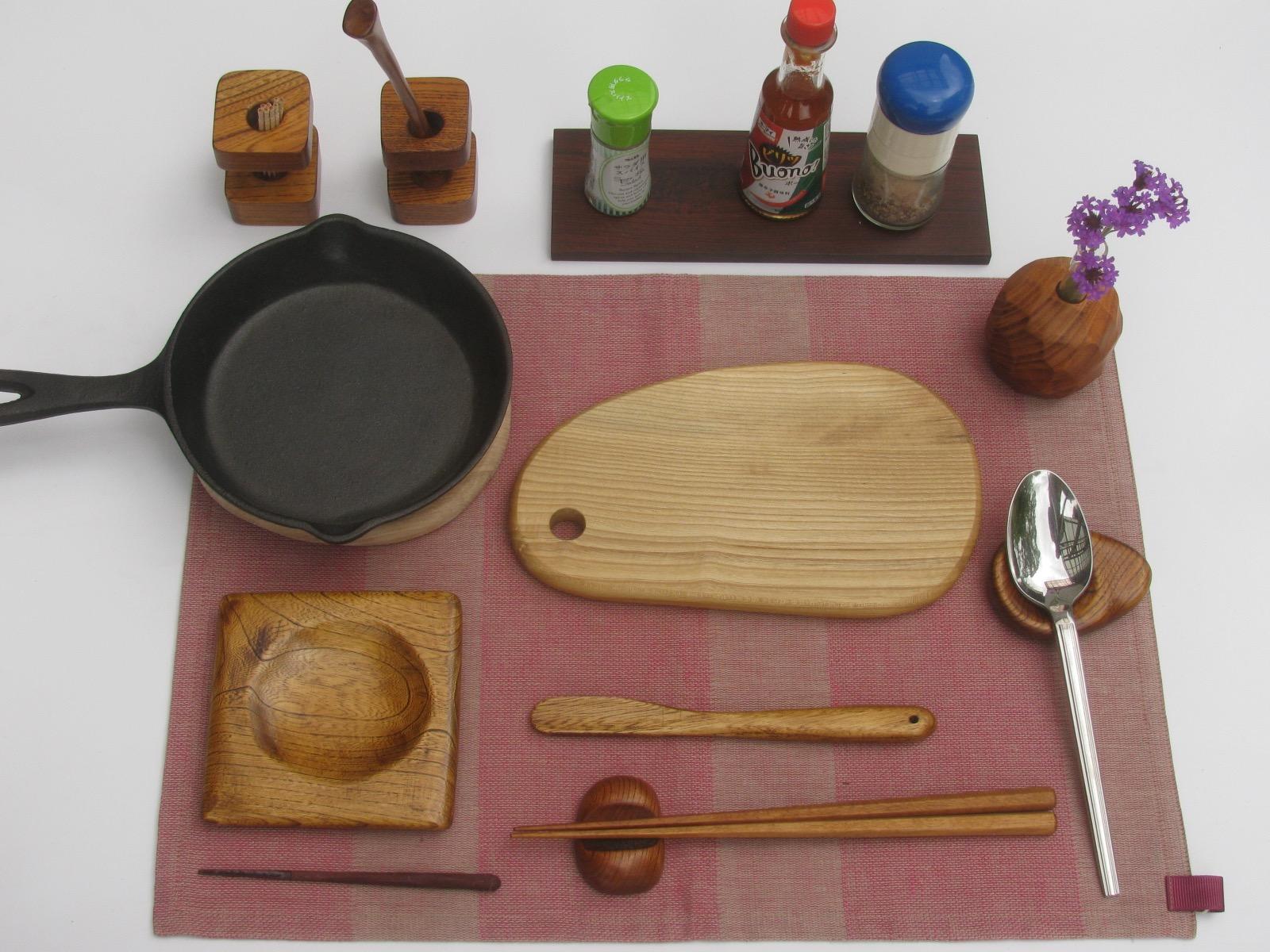 木の食卓アイテム
