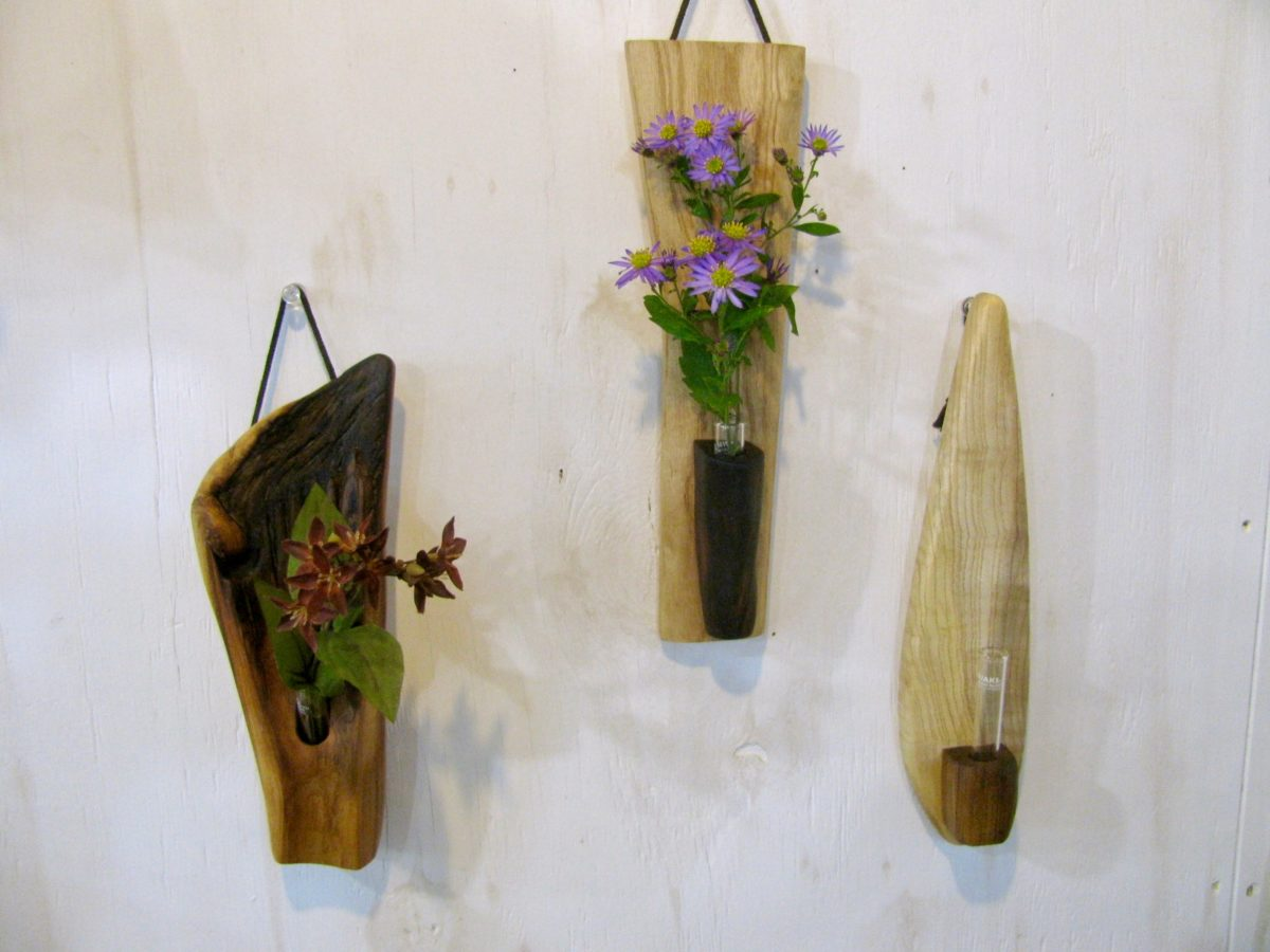 自然木の一輪挿しと花器