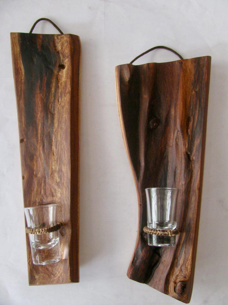 自然木の掛け花器