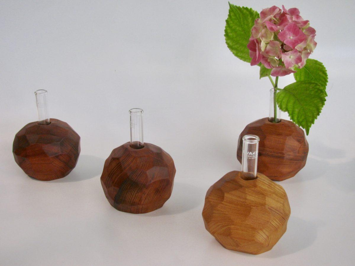自然木のボール型置き一輪挿し