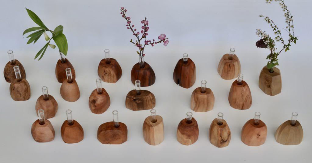 自然木の一輪挿し