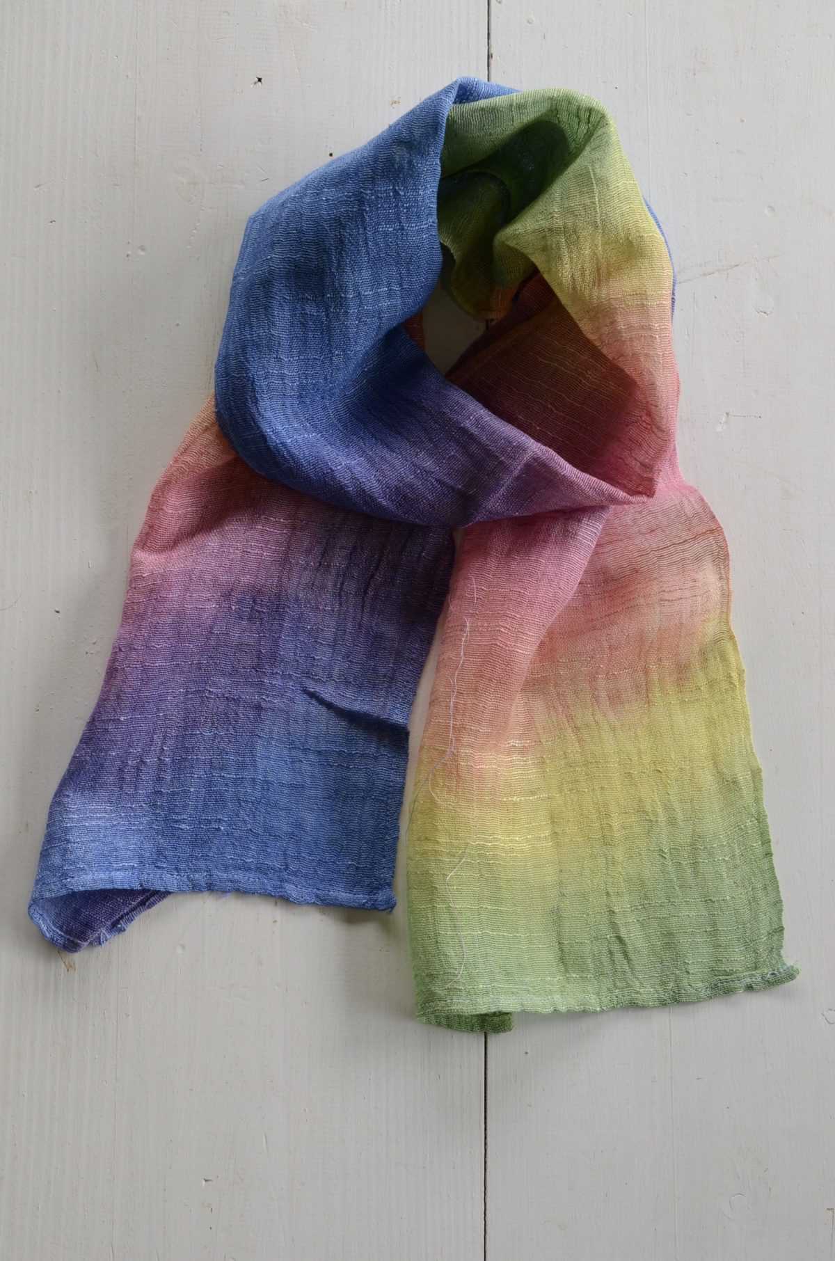 紫外線から守る、細巾ストール・ローケツ染め手袋