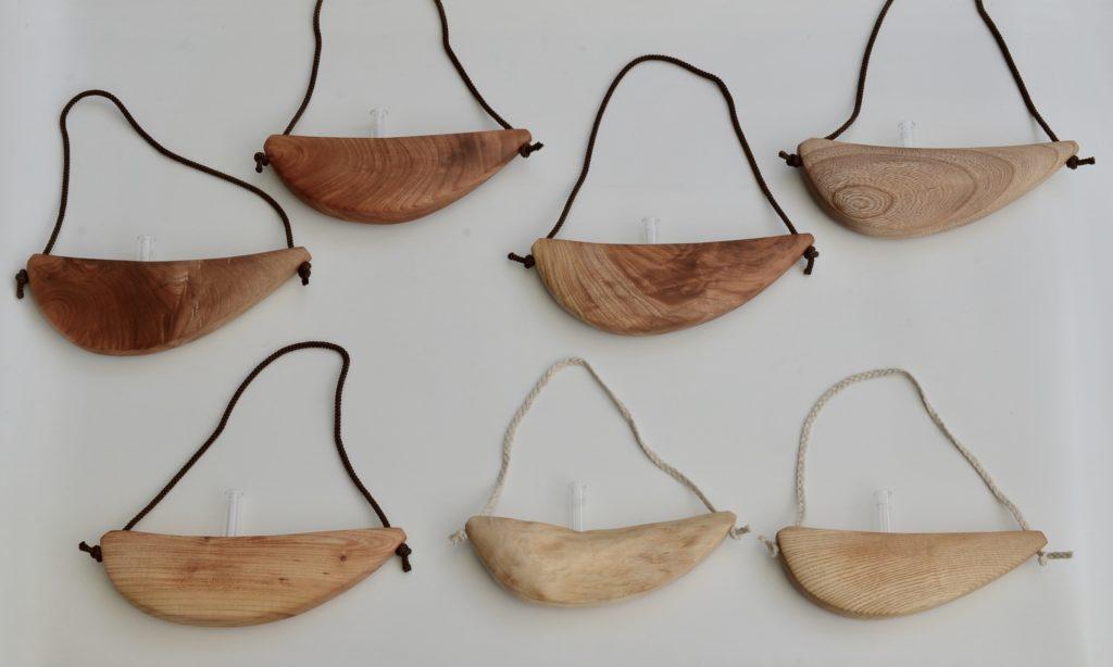 自然木の掛け一輪挿し 舟吊り型