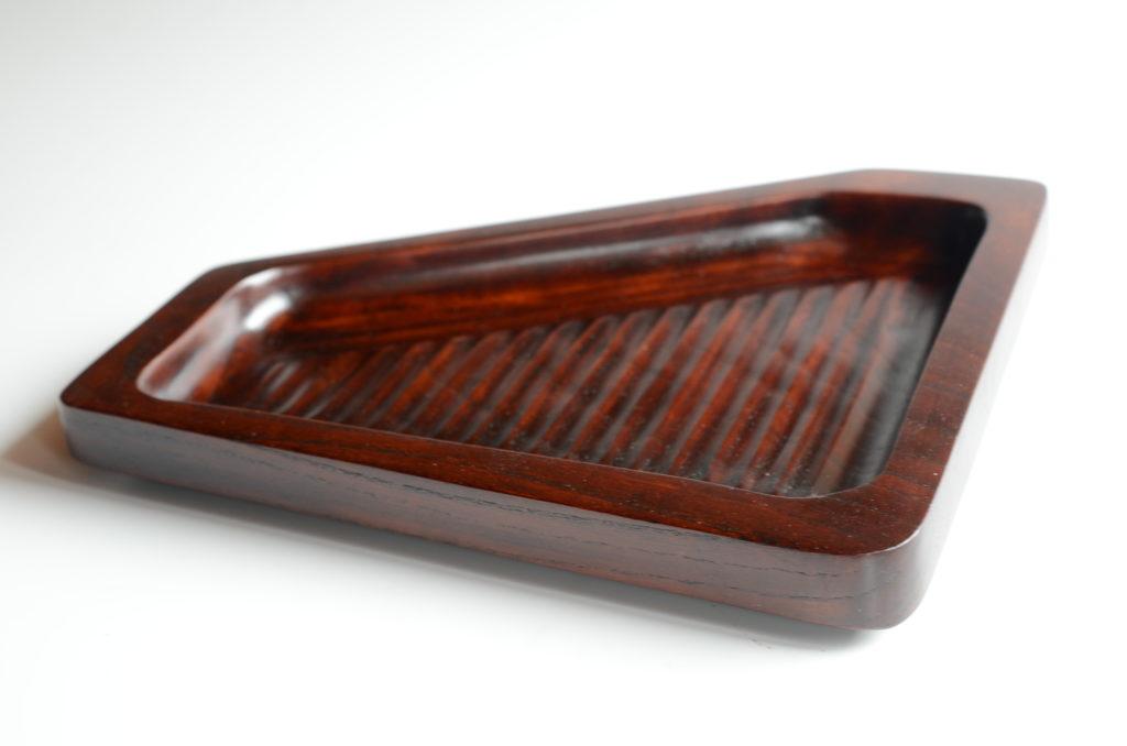 欅の変形漆皿