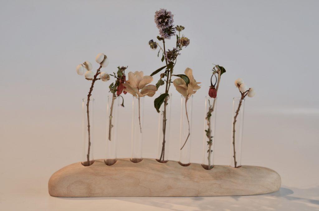 野の花が似合う花器