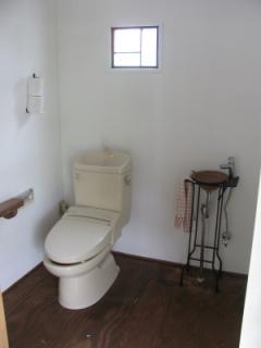 車椅子対応のトイレ