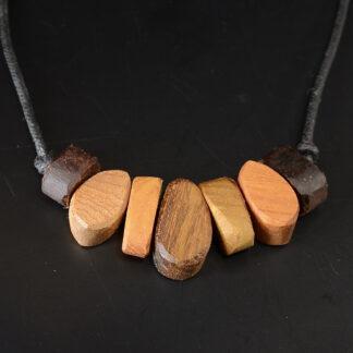 自然木のネックレス