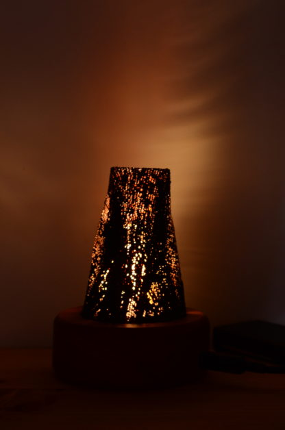 LEDゆらぎ灯り:漆シェード